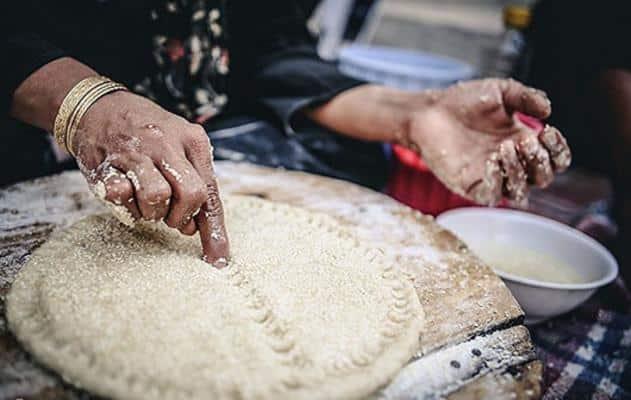 آب چه نقشی در پخت نان دارد